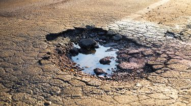 """当地道路""""运输中的糟糕关系"""",承认运输部长"""